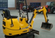 2008 JCB 8008 CTS 1 TON TIGHT ACCESS MINI EXCAVATOR WITH THREE BUCKETS