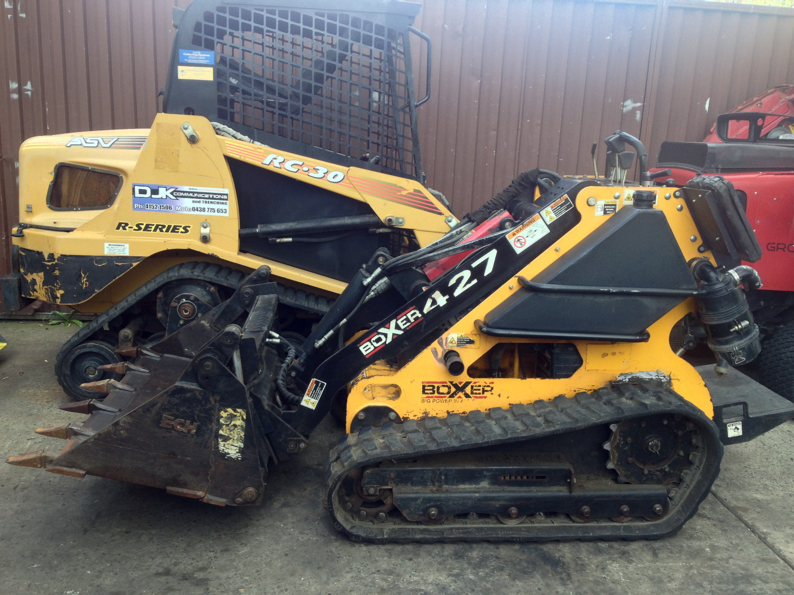 Mini Skid Steer : Boxer brute tracked mini skid steer loader with