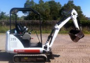 "2009 BOBCAT 319 1.5 TONNE TIGHT ACCESS MINI EXCAVATOR ""ONLY 600 HOURS"" ""EXPANDABLE UNDER CARRIAGE, HAMMER PIPING, TWO BUCKETS"""