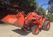 "KUBOTA 4WD B7300 DIESEL POWERED TRACTOR WITH FRONT END LOADER & VARIABLE PTO 550 HOURS ""WE CONSTANTLY SET THE COMPETITION ON FIRE"""