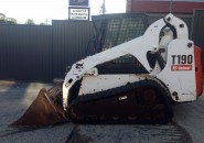 "BOBCAT T190 A/C CLOSED CAB TRACKED SKID STEER LOADER WITH A 4 IN 1 BUCKET  ""LATE MODEL MACHINE WITH LESS THAN 3000 GENUINE HOURS"""